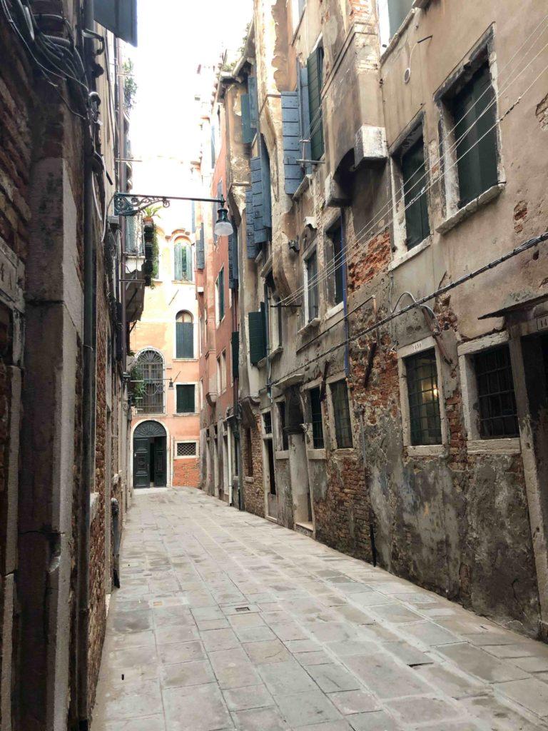 a view of the Calle Gheto Novissimo in Venice